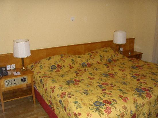 Hotel Cortina : 房间