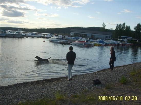 Ludvika, Sweden: sauthman湖边