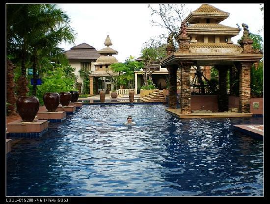 Circle Phuket Resort & Spa: 太美了,这里的游泳池