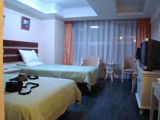 Home Inn (Qingdao Xianggang Middle Road)