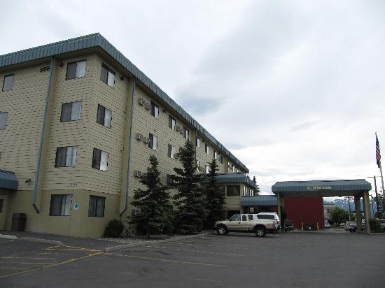 La Quinta Inn & Suites Anchorage Airport : Motel 8 外景