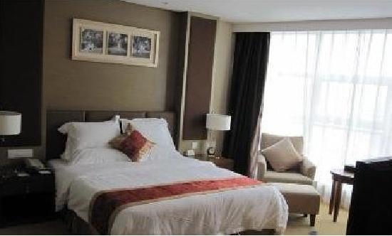 Roying Hotel: 3