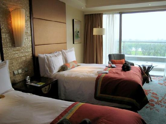 Fairmont Yangcheng Lake: 大床
