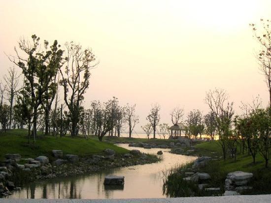 Fairmont Yangcheng Lake: 酒店外