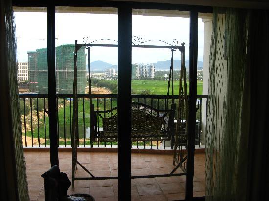 Jindao Jia'ning Haijing Hotel: 有吊椅的阳台