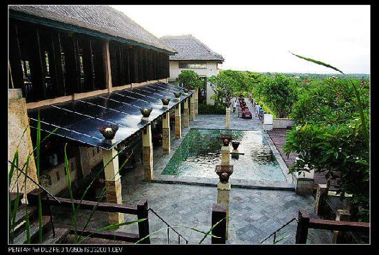 Princess Nusa Dua Resort : 庭院