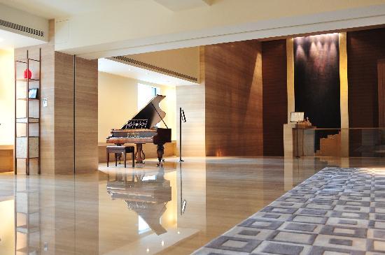 Les Suites Orient, Bund Shanghai: 3F Lobby Piano Area