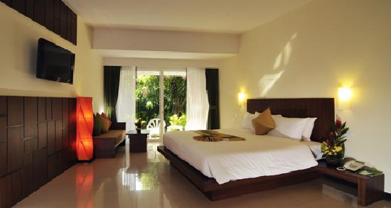 Patong Resort: 新楼的大床房