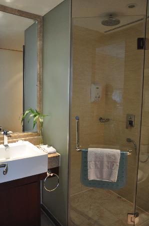 Jingxi Hotel: 很干净的卫生间