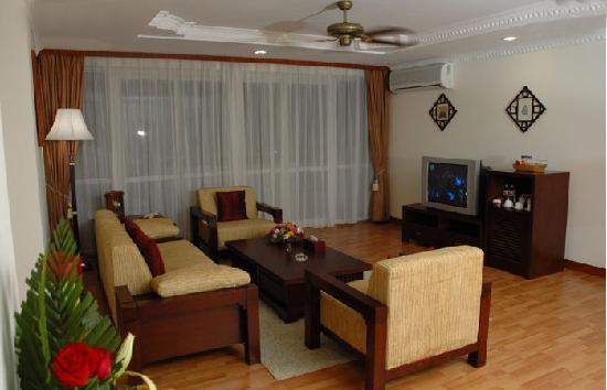 Fortune Condominium Hotel: 房间客厅