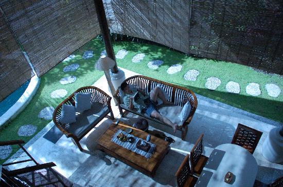 Athena Garden Villa & Spa: 挑空的休息中厅,满舒服