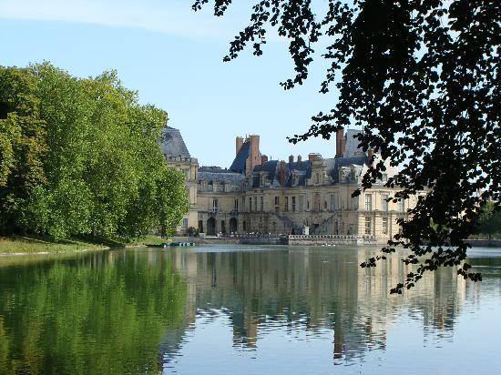 Φοντενεμπλό, Γαλλία: 美丽的Fontainblueau城堡