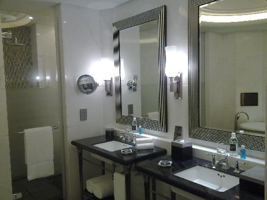 Fairmont Peace Hotel : 洗手间