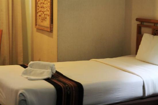 Tapae Place Hotel: 房间