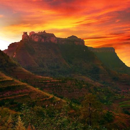 Yishui King City Of Heaven: 王城晚照