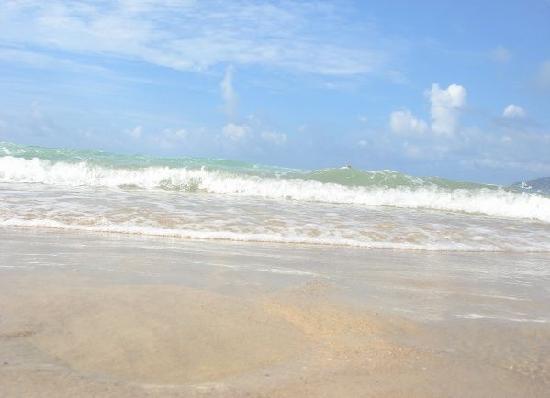 Yalong Bay: 浪花一朵朵