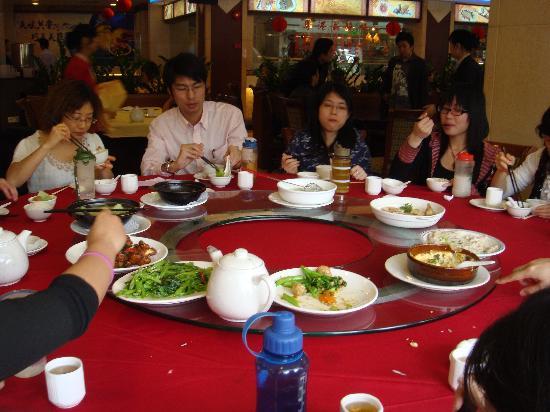 Shi Wan Hotel: 酒店的餐厅,味道一般,价格也不便宜