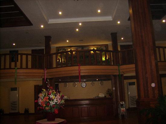 Golf Angkor Hotel: 凌晨大厅,为了赶日出