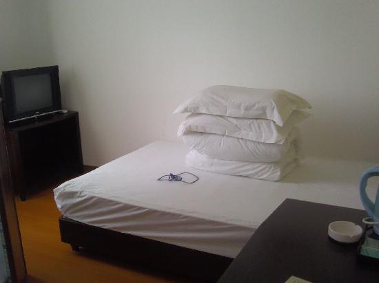 Jingyue 99 Inn Shanghai Jiangzhen: 床