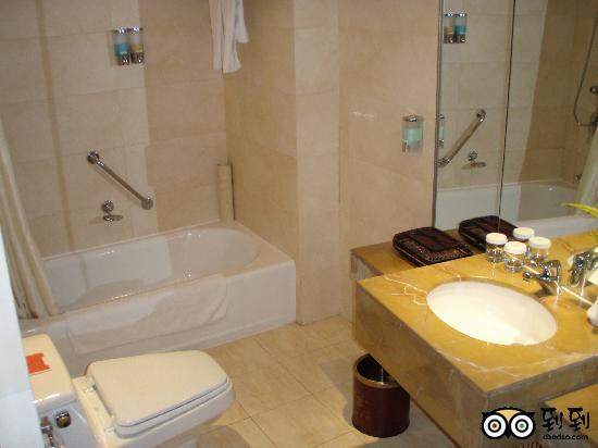 JinJiang Hotel: standard-bath