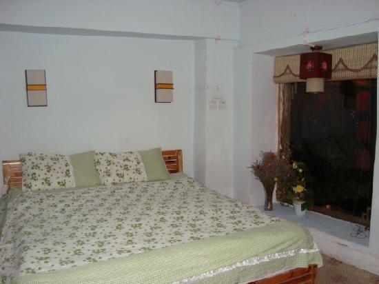 Wenggu Hostel: 观景大床房