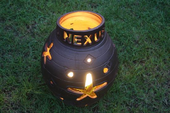 Nexus Resort Golf Course: 别墅草坪的地灯