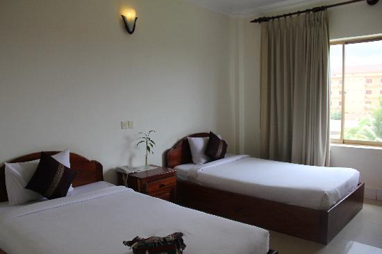 New Riverside Hotel: IMG_0530