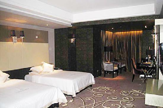 Pacific Prince International Hotel : 双人间内景