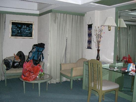 Sawasdee Langsuan Inn: 豪华间的另一面
