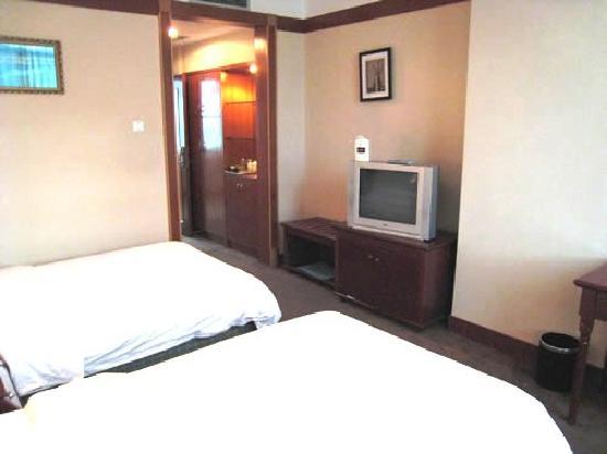 Juchuan Holiday Hotel: 大床