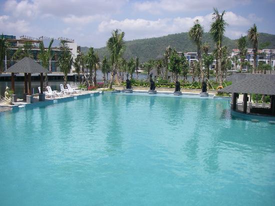 Century Landscape Hotel: 非常美的泳池
