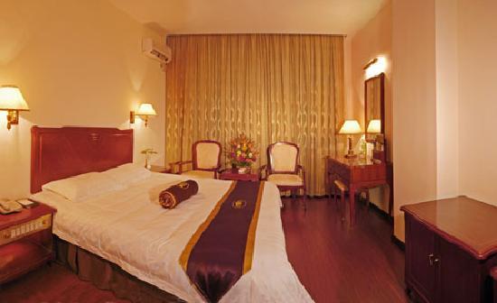 Xishuangbanna Tian Cheng Hotel: 升级后的所谓套间