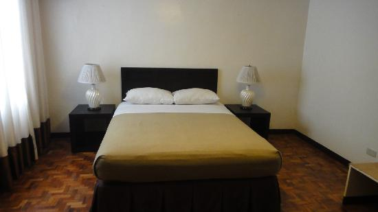 Photo of El Rico Suites Apartelle Makati