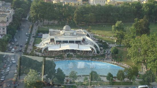 Sheraton Tirana Hotel: Tirana 市中心景色