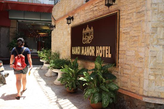 Hanoi Dolphin Hotel: 大门