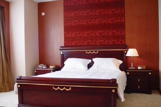 Hua Cheng Hotel: 床
