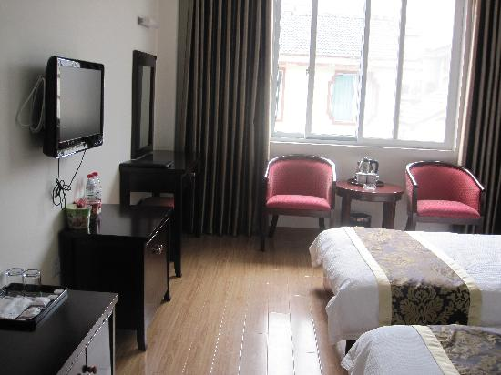 Chenghuang Business Hotel