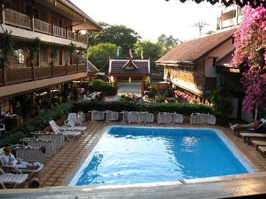 Lai-Thai Guest House: 酒店的俯瞰