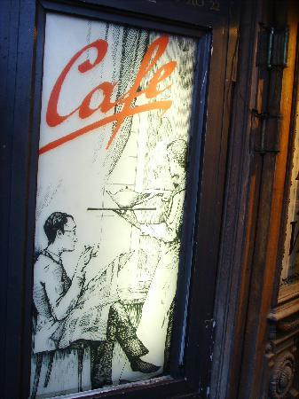 Санкт-Петербург, Россия: 涅瓦大街上出售咖啡和茶叶的商店。