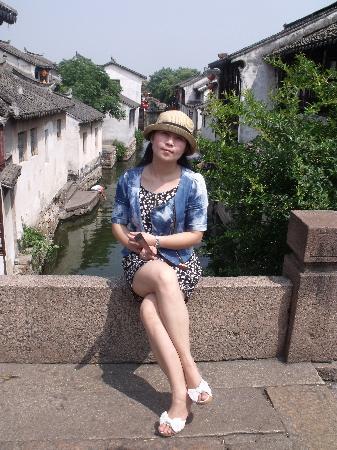 Zhouzhuang Fugui Park : 周庄以桥为住家的链接点