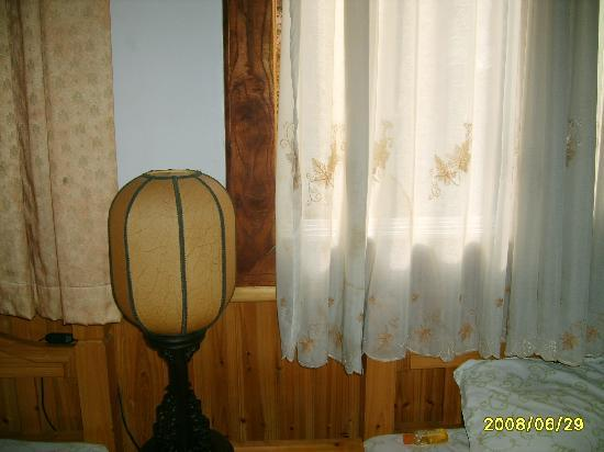 Guangyue Hostel: 房间内部