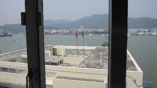 Macau Masters Hotel: 酒店窗外海景,能闻到海水味呢!