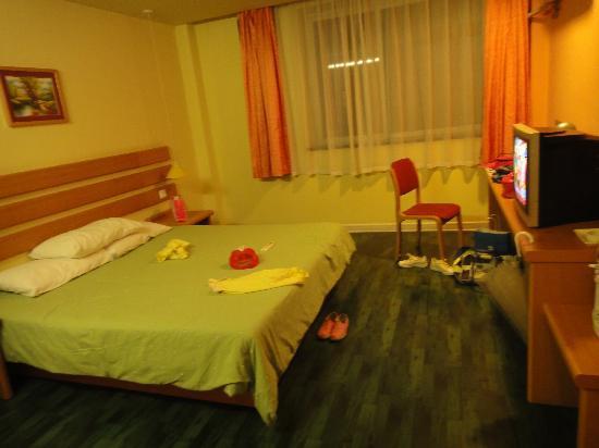 Home Inn (Shanghai Wuning Road): 暖色调有家的感觉。