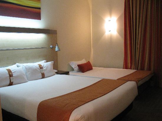 Alcorcón, España: 房间,可以睡4个人