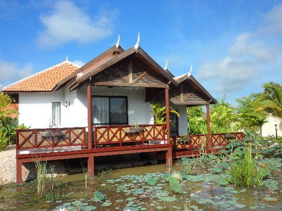 BEST WESTERN Suites and Sweet Resort Angkor : 就是這一棟,我們入住的Villa