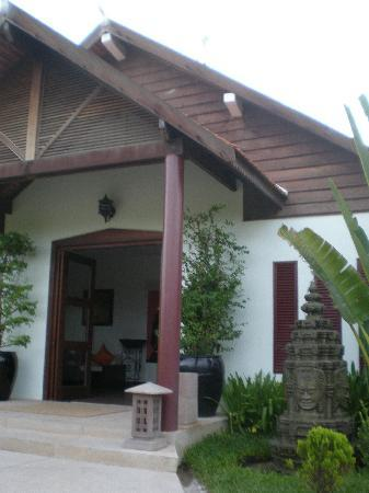 Suites and Sweet Resort Angkor: 大廳