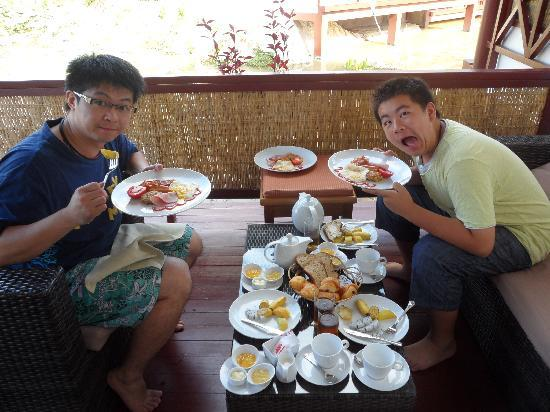 Suites and Sweet Resort Angkor: 精緻的早餐