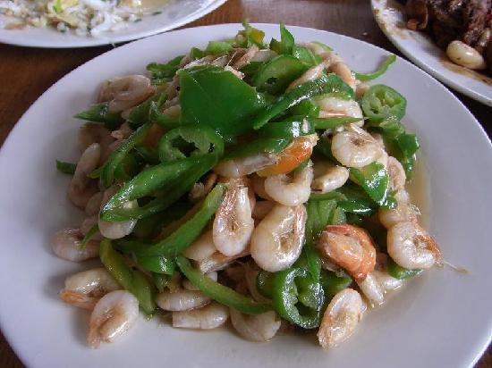 Marsh of Chaohu Area: 青椒炒白虾,这一盘24元,盐水煮白虾量比这个多,价格要翻一倍。