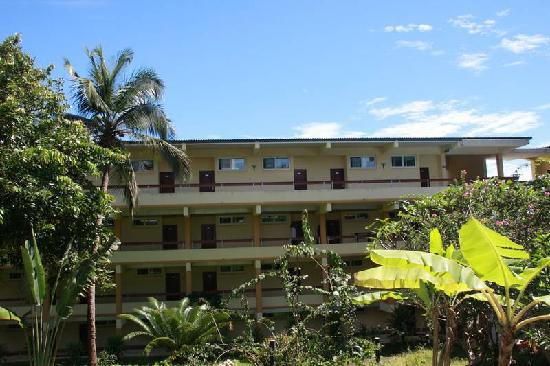 Landscaped garden picture of bintumani hotel freetown tripadvisor bintumani hotel landscaped garden workwithnaturefo