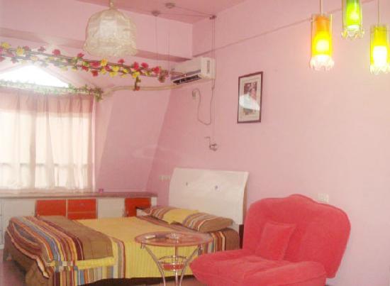 Dihu Home Apartment Hotel: 豪华情侣间——80元/天